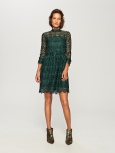 http://www.reserved.com/de/de/woman/all-1/clothes/dresses/se034-96x/lace-dress